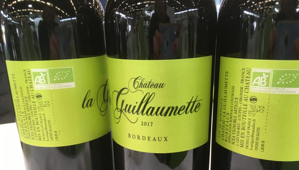 Alexandre Lartigue, producteur du Château La Guillaumette et jeune vigneron enthousiaste pour l'écologie a produit une cuvée 2017 gourmande, fraîche et très accessible.