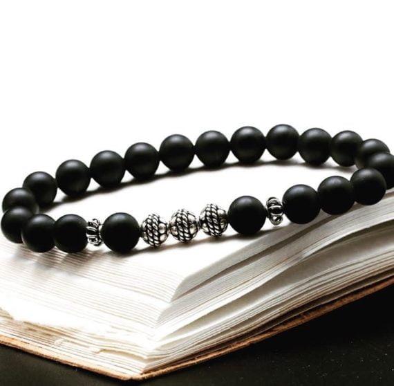 Perles montées par Blanche de Castel en collier