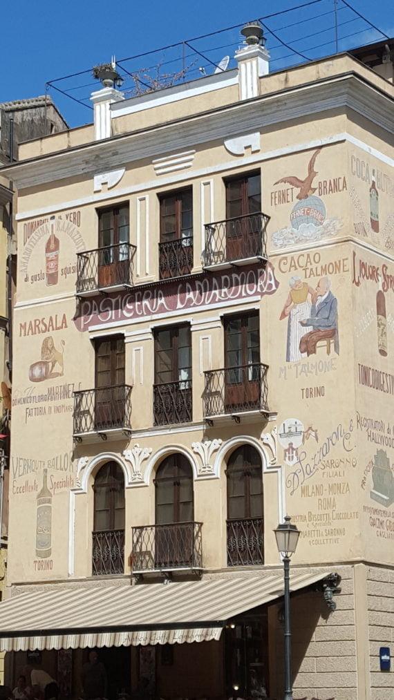 Pâtisserie-dans-le-centre-d'Iglesias