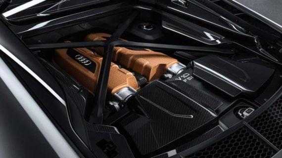 Le moteur V10 de 620 chevaux propulse la R8 Decennium0 à 100 km/h en 3,1 secondes.