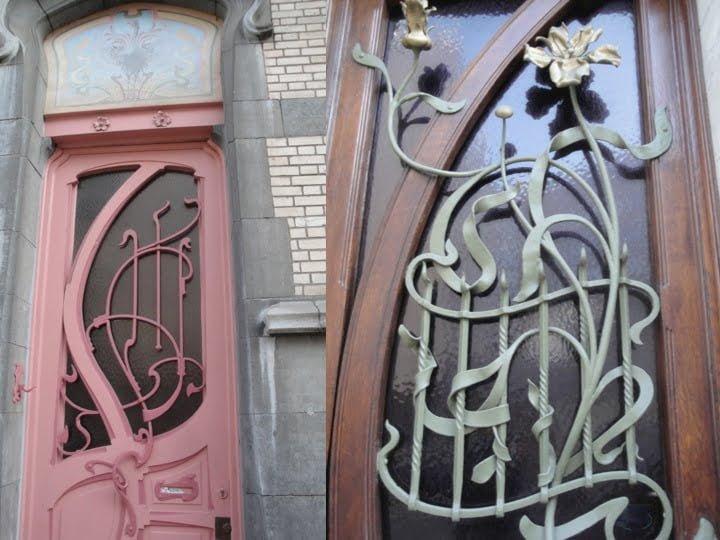 Deux portes de maisons anonymes