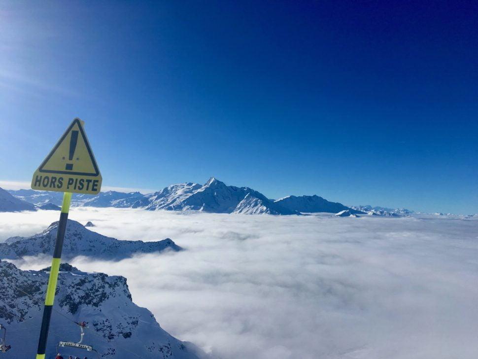 Hors Piste au dessus des nuages – sur piste ou hors piste, une chaussure adaptée fait le bon skieur.