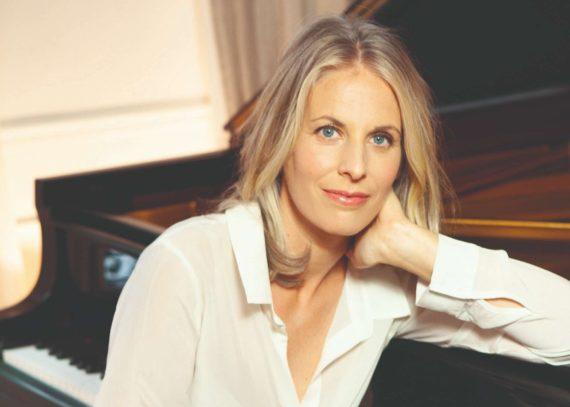 En reprenant le Festival de Dinard (10 au 18 aout 2019) Claire Marie Le Guay souhaite réenchanter une continuité dans une ville musicale.