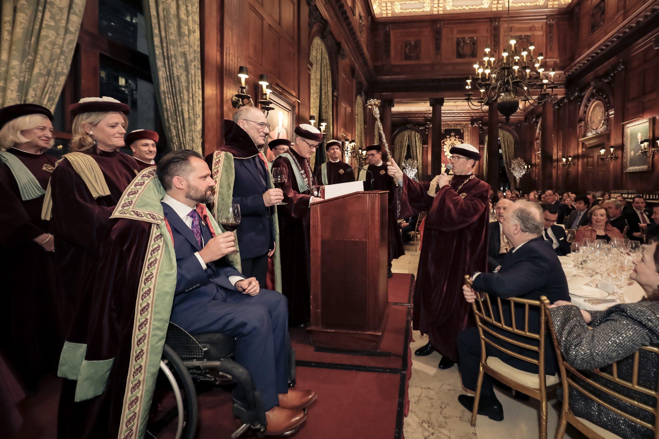 Le 4 mars 2019, Yannick Benjamin a prêté serment de fidélité à la Confrérie du Bontemps comme ambassadeur des vins de Médoc, Graves, Sauternes et Barsac