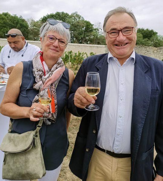 Annie Bigot responsable d'exploitation viticole du Domaine de Chambord et Michel Gendrier président du syndicat des vins d'appellations cheverny et cour-cheverny ; Michel Gendrier du domaine des Huards à Cour-Cheverny