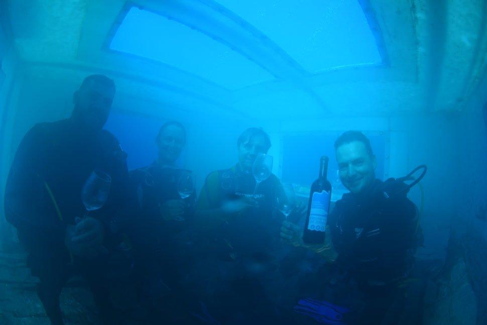 Dégustation sous l'eau (faire abstraction de la salinité ambiante !).