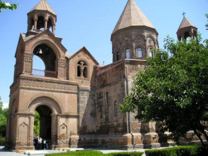 La cathédrale Sainte-Etchmiadzin