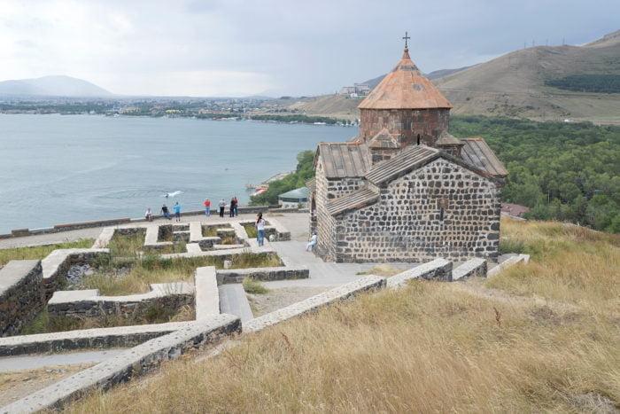 Le monastère des Saints-Apôtres de Sevan
