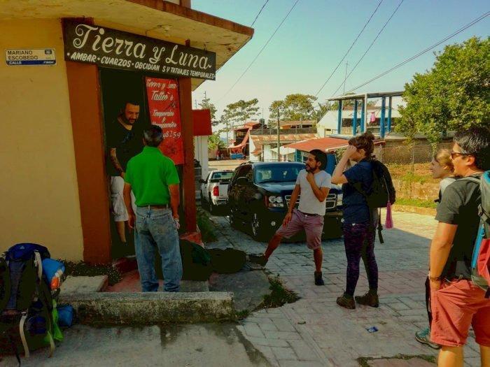 Le départ de l'ascension du Tacana