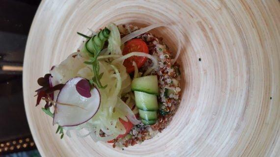 Le chef Benjamin Brial a su magnifier le quinoa pour une assiette très colorée et savoureuse.