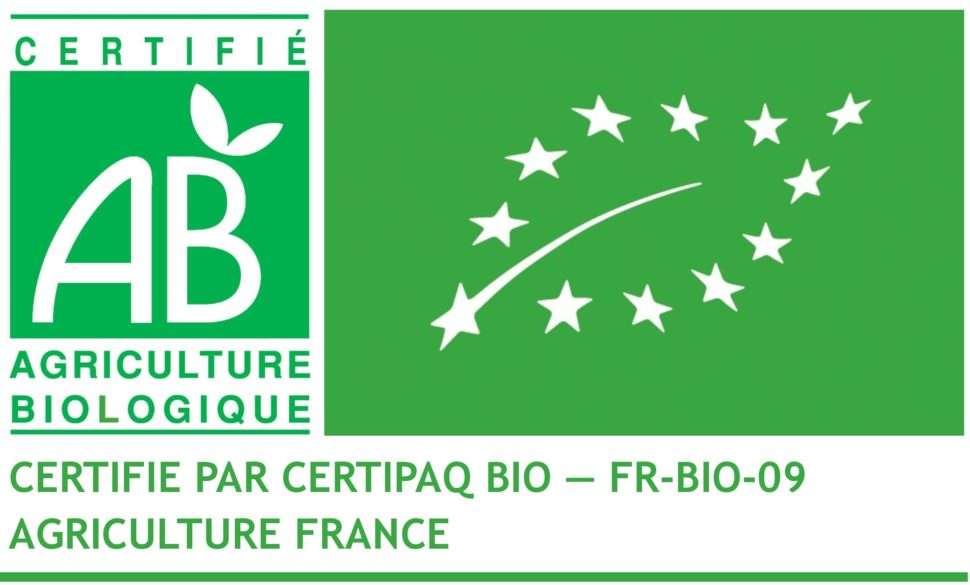 Le logo européen AB garantit le respect des règles de la production et de la vinification.