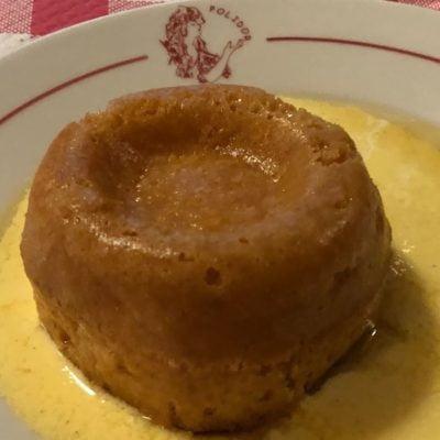 Le Baba au rhum, dans sa crème très « british » (4€)