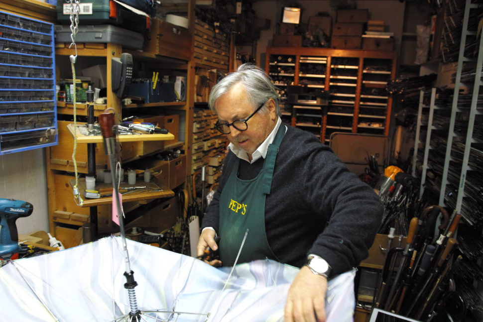 Thierry Millet dans son atelier