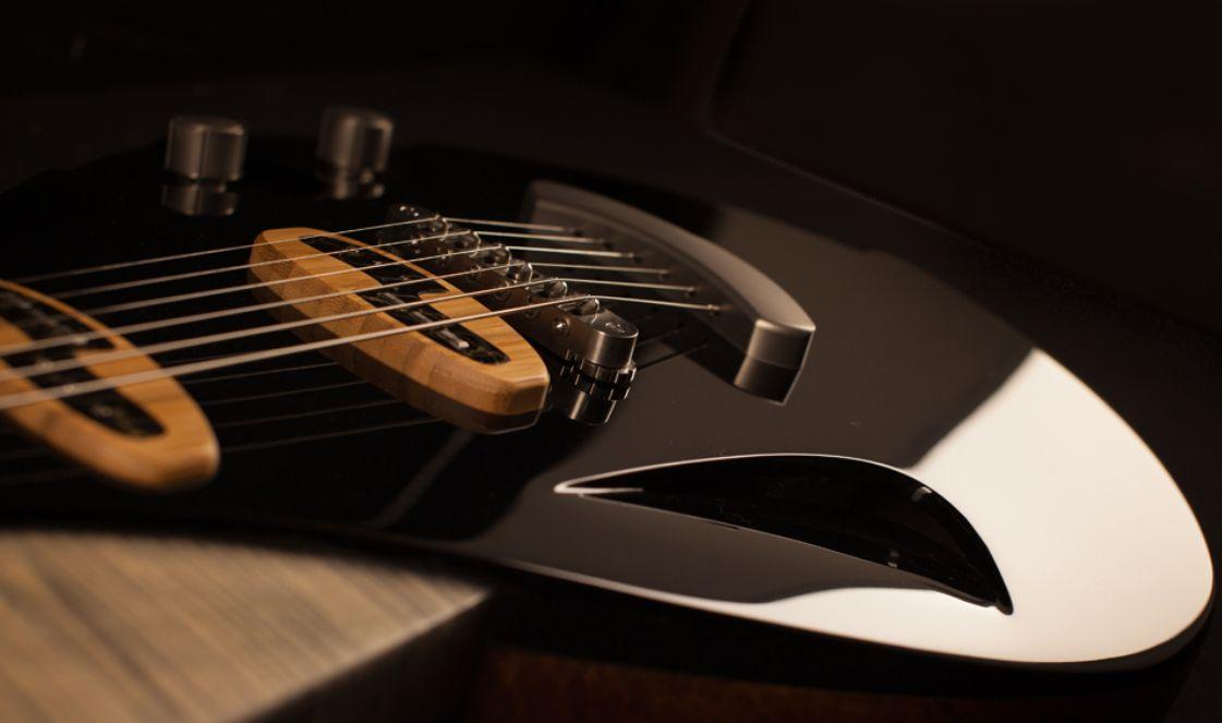 Modèle Corps creux / Space Wow noir, guitare Alquier