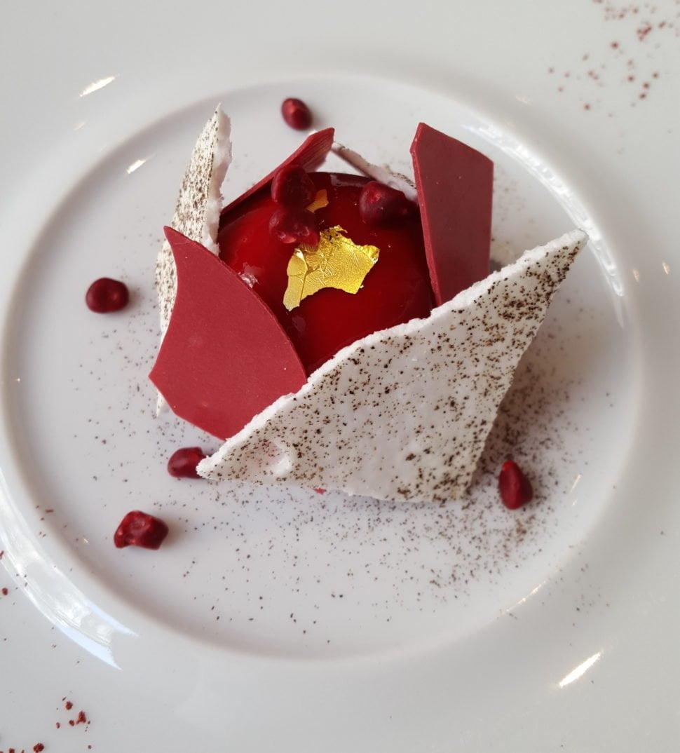 Vacherin framboise, basilic, fine meringue du chef pâtissier Guillaume Levasseur