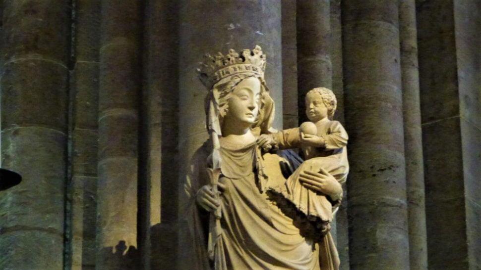 Représentation de la Vierge, Notre-Dame de Paris