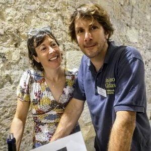 Damien & Coralie Delecheneau du Domaine La Grange Tiphaine sur les hauteurs d'Amboise. Les 15 ha qu'ils exploitent en appellation Montlouis et Touraine-Amboise sont labellisés AB et certifiés Bio (Ecocert) et Biodynamie (Biodyvin)