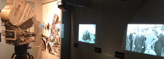 L'évolution des caméras et de la capture du son permet à Chaplin de développer sans cesse son langage cinématographique.