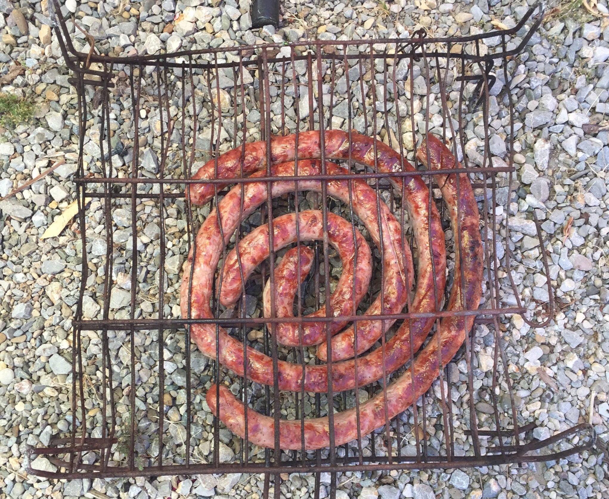 Escargot de saucisse grillée